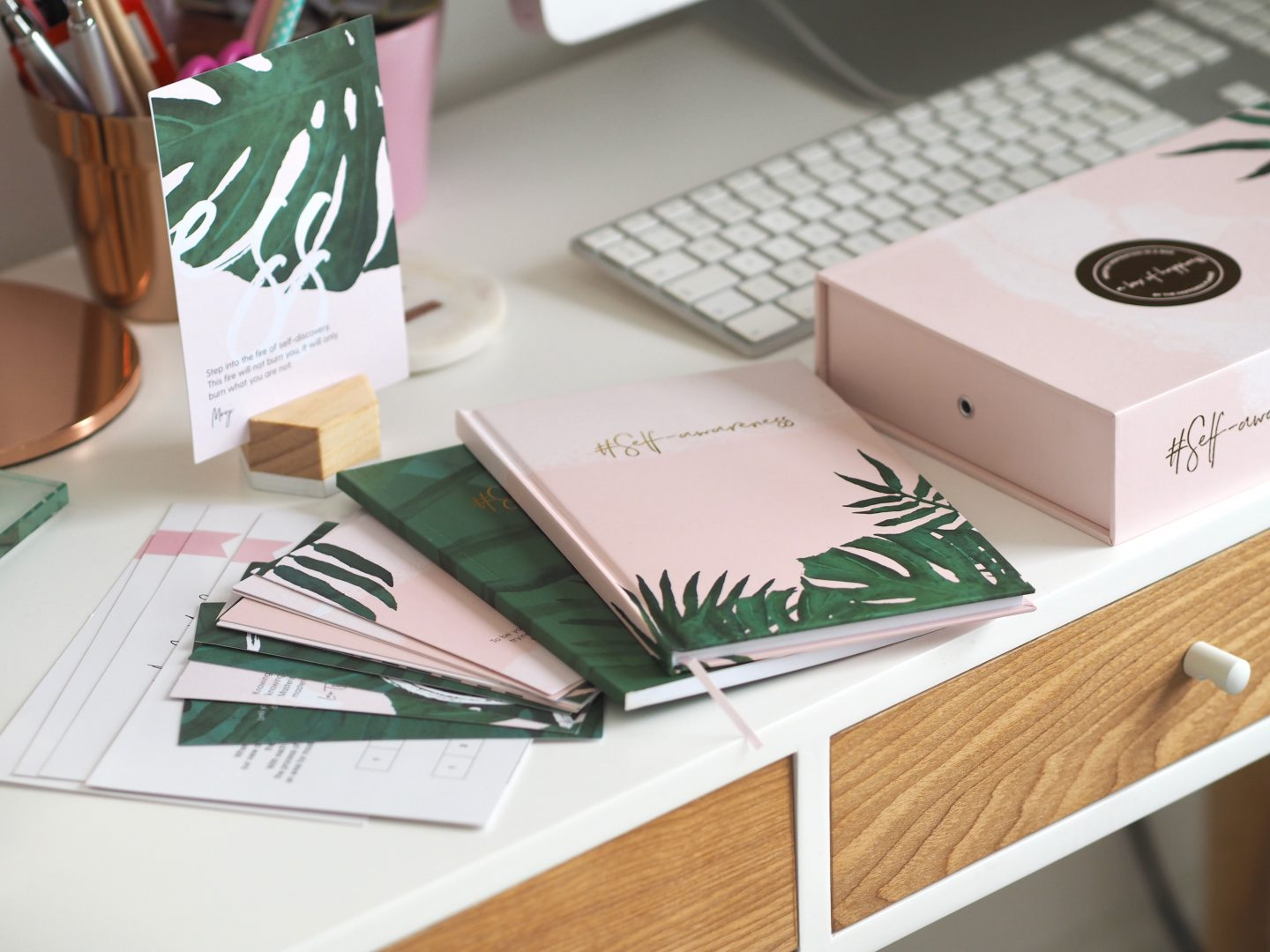 A BOX OF HAPPINESS – BY THE HAPPINESS PLANNER