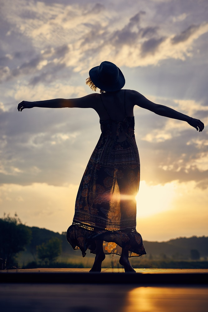 HOW TO LET GO AND SURRENDER TO THE UNCERTAINTY